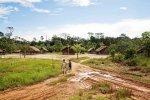 aldeia, litoral do Suriname
