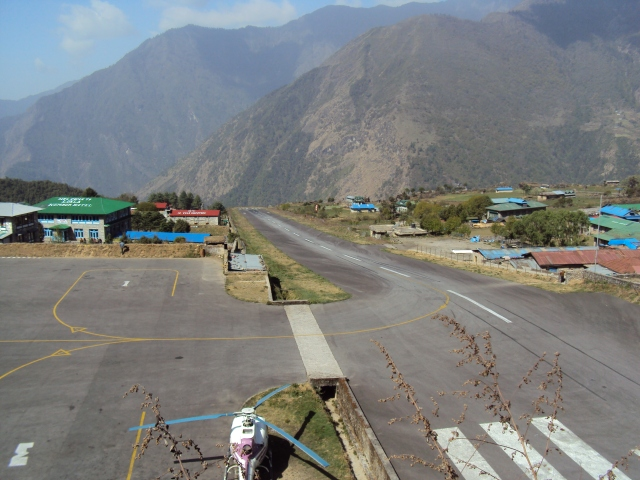 Aeroporto de Lukla (foto do Wikipedia)