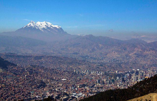La Paz (Illimani ao fundo)